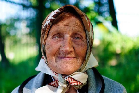 фото бабушек без и одетых бесплатно
